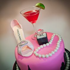 Sex and the City Cake...ohhh myyyy gosh I would love a SATC cake for my bachelorette party or 30th birthday lol