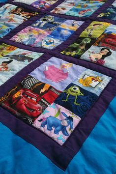 This quilt is a version of the I Spy quilt. I love the idea of using faces in all of the squares because babies respond to faces. There are 140 faces in this quilt!USE 2 SQUARES FOR MATCHING I Spy quilt - fun idea! i wish i could sew i would make one of t I Spy Quilt, Rag Quilt, Quilt Blocks, Quilt Art, Disney Diy, Disney Crafts, Baby Disney, Disney Plush, Girls Quilts