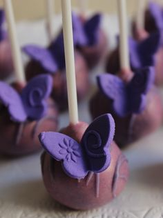 Butterfly Cakepops by Violeta Glace