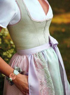 Dirndl Marie Quarz - I like to play dress up - Dirndl Dress, Dress Skirt, Fashion Beauty, Girl Fashion, Fashion Outfits, Stylish Outfits, Fall Outfits, Edgy Chic, Knee Length Dresses