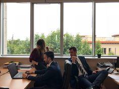 Compañeros de AXPE trabajando en equipo #Equipo #Compañeros #TrabajoEnEquipo