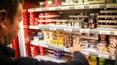 YOGHURT: Det er ikke yoghurt alt som er i yoghurthylla. Liquor Cabinet, Food, Decor, Cheese, Healthy, Yogurt, Decoration, Essen, Meals