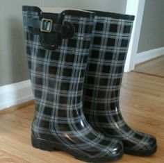 Sierrawest Plaid Rain Boots Excellent condition, except for slight marks on the inside fleece lining (pictured). sierrawest  Shoes Winter & Rain Boots