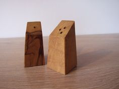 Wooden Salt and Pepper Shakers / / Scandinavian by tiendanordica, $18.00 $18 bloody dollars whatttt!? Could we make these?