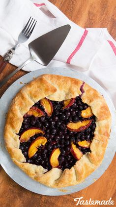 It's summer time and you want something fruity and sweet to rock your tastebuds. Blueberries and peaches are the perfect bffs in this rustic af galette.