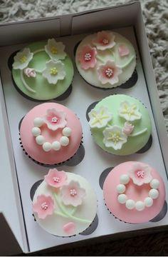 樱花主题 Sakura cupcakes.