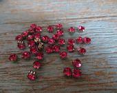 20 perles strass, brillants à coudre ou à enfiler, roses fuchsia. : Perles Synthétiques par nous-les-filles