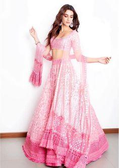 Kriti Sanon in pink lehenga - Bollywood actress Indian Bridal Outfits, Indian Designer Outfits, Indian Designers, Bridal Dresses, Indian Gowns, Indian Attire, Sonam Kapoor, Deepika Padukone, Kaftan