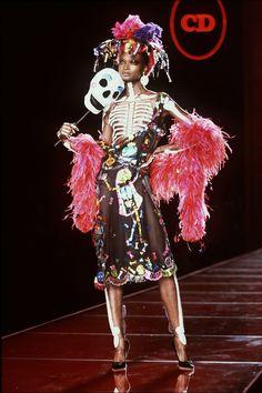 Christian-Dior-Fall 2000-Haute Couture (25)