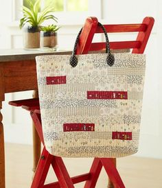 Tailored Tote by Carrie Nelson of Miss Rosie's Quilt Co.
