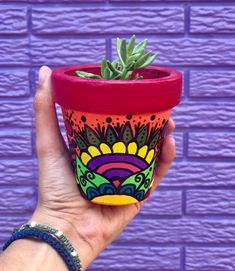 Vase Crafts, Clay Pot Crafts, Diy Home Crafts, Diy Clay, Pots D'argile, Clay Pots, Painted Flower Pots, Painted Pots, Pottery Painting Designs