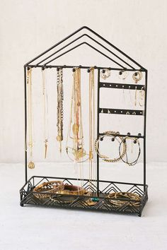 Triangle-Trim Jewelry Stand. Best Jewelry stand I have ever seen. I seriously need this one. #USUMoveIn