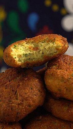 Aprenda a fazer Falafel, esse bolinho frito de grão de bico bem temperado e saboroso!