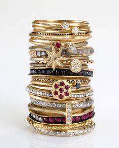 bling bling bling stack the ring Jewelry Box, Jewelry Rings, Jewelry Accessories, Fine Jewelry, Fashion Accessories, Jewelry Design, Fashion Jewelry, Gold Jewelry, Jewlery