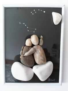 Pebbles: 25 Ideas For Creative Art Inspi - Diy Crafts - maallure Stone Crafts, Rock Crafts, Arts And Crafts, Beach Crafts, Diy Home Crafts, Pebble Art Family, Rock Sculpture, Pebble Pictures, Shell Art