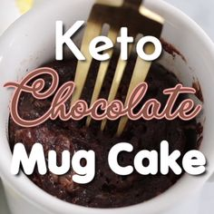 Make a rich chocolate cake in the microwave.in just 2 minutes! This keto mug cake has only 4 grams net carbs and will totally satisfy your sweet tooth! Keto Chocolate Mug Cake, Keto Mug Cake, Easy Mug Cake, Chocolate Mug Cakes, Chocolate Recipes, Easy Desserts, Delicious Desserts, Dessert Recipes, Recipes Dinner