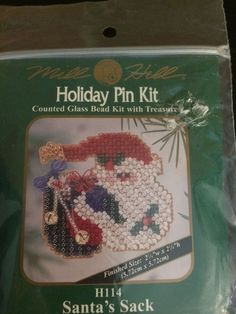 Wonderland Santa Beaded Ornament Kit Mill Hill 2000 Winter Holiday