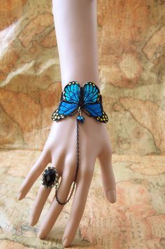 Gorgeous Blue Butterfly Bracelet Feather & Wings of any Kind Keka❤❤❤ Hand Jewelry, Cute Jewelry, Jewelry Crafts, Beaded Jewelry, Jewelry Accessories, Fashion Accessories, Handmade Jewelry, Jewelry Design, Lace Bracelet