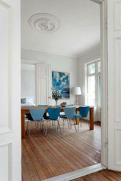 Bolig til salgs Dining Table, Real Estate, Inspiration, Furniture, Home Decor, Biblical Inspiration, Decoration Home, Room Decor, Dinner Table