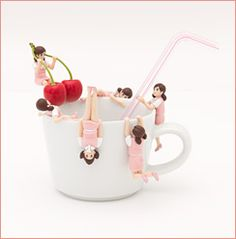 Angel flew down to the edge of the cup - Fuchi-ko Cup - | Topics