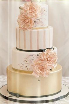 41 Super Creative Wedding Cakes With Timeless Style. To see more: #wedding #weddings #cakes