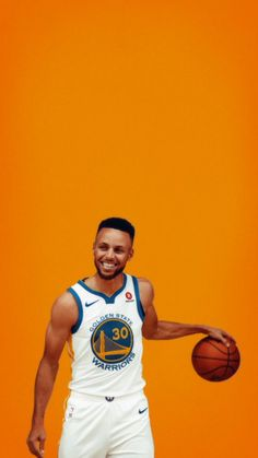 How To Become Great At Playing Basketball. For years, fans of all ages have loved the game of basketball. There are many people that don't know how to play. Stephen Curry Poster, Stephen Curry Photos, Nba Stephen Curry, Basketball Workouts, Basketball Skills, Basketball Legends, Basketball Schedule, Basketball Shoes, Basketball Court