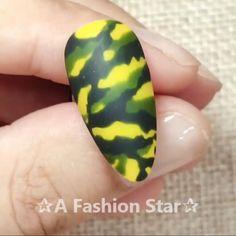 Nail Art A Fashion Star nail designs Star Nail Designs, Nail Art Designs Videos, Nail Design Video, Nail Art Videos, Cool Nail Designs, Nail Art Laque, Shellac Nail Art, Nail Art Hacks, Nail Art Diy