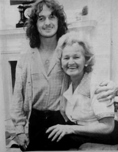 Jon Anderson with his Mother Yes Band Members, Yes Music, Chris Squire, Steve Howe, Rick Wakeman, Progressive Rock, Rock Posters, Great Bands, Lineup