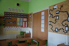 2.třída Oasis, Divider, School, Bed, Room, Inspiration, Furniture, Home Decor, Bedroom