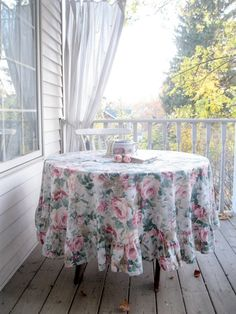 Round Tablecloth with Roses Shabby Roses by mailordervintage
