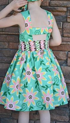 love the belt. The Saffron Twirl Dress. Frock Patterns, Girl Dress Patterns, Clothing Patterns, Baby Girl Dresses, Baby Dress, Fashion Kids, Little Girl Outfits, Kids Outfits, Kind Mode