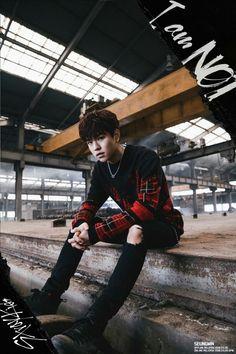 Stray Kids(스트레이 키즈)  DEBUT ALBUM <I am NOT>  TEASER IMAGE   2018.03.26 MON 6PM  #StrayKids #스트레이키즈 #IamNOT #District9