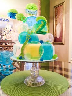 I had become so excited when my kiddo desired to have a very rising cost of living social gathering to his wedding anniversary, find out a few inspiring ideas. Bubble Birthday Parties, Bubble Party, Themed Birthday Cakes, Birthday Cake Girls, Baby Birthday, Birthday Party Themes, Birthday Ideas, Bubble Cake, Small Balloons