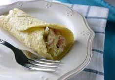 Crepes paleo whole30 rellenos de crema de puerros y jamón serrano. Receta sin gluten, sin lactosa y sin azúcar, muy fácil de preparar