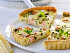 Quiche with salmon and ricotta (Libelle Lekker! Easy Cooking, Healthy Cooking, Cooking Recipes, Brunch, Quiches, Veggie Recipes, Healthy Recipes, Healthy Meals, Healthy Food