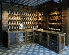 XIXth century perfumery rebirth - vintage  spirit with exquisite products all made based on traditional craftmanship.  Officine Universelle Buly 6, rue Bonaparte 75006 Paris