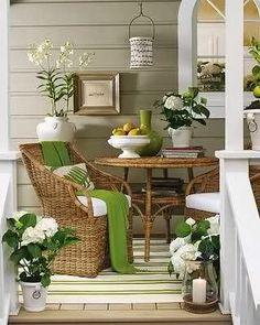 Vintage Style Porch Decorating Ideas