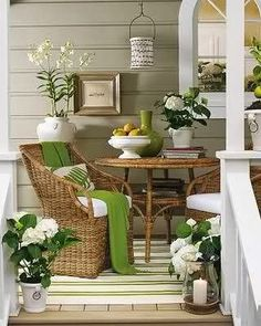 Vintage Style Porch Decorating Ideas