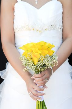 Yellow Calli Lily & Baby's Breath Bouquet|Black, White & Yellow Spring Wedding|Photographer: JDHowell Photography