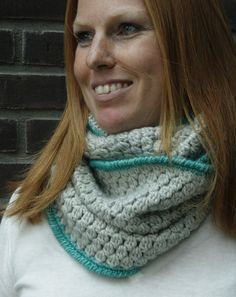 Bobble stitch scarf. Adjustable (ch x3). Req. st: ch, sc, bobble stitch aka dc3tog (inc. description), crab st aka reverse sc (inc. description and video). Worked in the round. Moderate tracking.