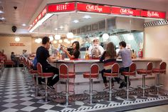Ed's Easy Diner is a simple, uncomplicated American themed restaurant that attempts to capture the essence of a 50s American diner. 50's design is still making it's mark today (BuzzMag, 2011)
