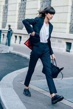 September 29, 2014 Tags Céline, Mica Arganaraz, Pinstripes, Suits, Model Off Duty, Models, SS15 Women's, Black