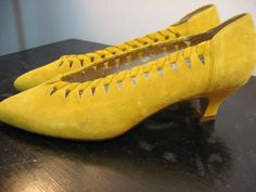 """vintage 1980s Nine West heels / 80s yellow suede by humblepeacock, $22.00 ~ LOVE the COLOUR!!  But, too tiny   :""""("""