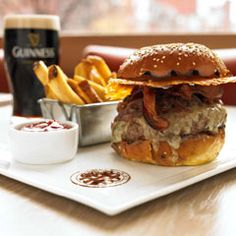 Met Back Bay    279 Dartmouth St.; 617-267-0451    Best: Burger Joint  By Executive Travel