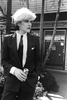 There's only one thing sexier than David Sylvian. David Sylvian in a suit staring out into the distance with a cola in hand. Nice....