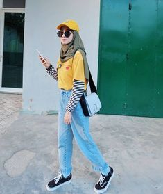 Casual hijab style ideas Source by hanifarufaidah ideas hijab Hijab Casual, Hijab Chic, Casual Outfits, Fashion Outfits, Ootd Hijab, Casual Chic, Casual Ootd, Girl Hijab, Womens Fashion