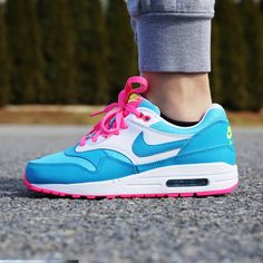 To fix that, we combed tons of fashion style photos to bring you to copy right now. Kids Sneakers, Air Max Sneakers, Sneakers Nike, Air Max 1, Nike Air Max, Nike Shoes Cheap, Cheap Nike, Blue Nike, Fashion Photo
