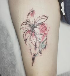 #watercolortattoo #scarcovering #flowertattoo #tatted #ink #inked #nytattooartist #femaletattooartist #halfneedle #singleneedle #littletattoo #smalltattoo #finelinetattoo Female Tattoo Artists, S Tattoo, Watercolor Tattoo, Tatting, Ink, Instagram Posts, Cover, Christmas, Tattoos