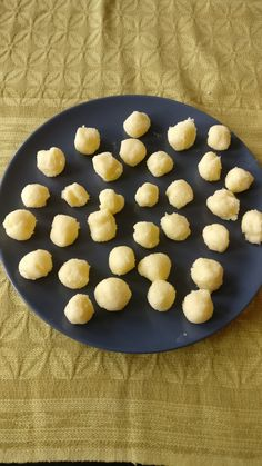 Smörbullar med vanilj — Mat & Pyssel Bloggen Vanilj, Cookies, Baking, Desserts, Creative, Crack Crackers, Tailgate Desserts, Deserts, Bakken
