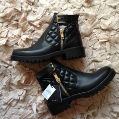 Zara leather ankle boots Brand new, never used. 2014 collection. I never got to use them. Made in Romania. Zara size 39. Zara Shoes Ankle Boots & Booties